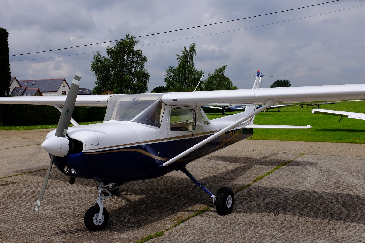 Front View Of A Cessna 152